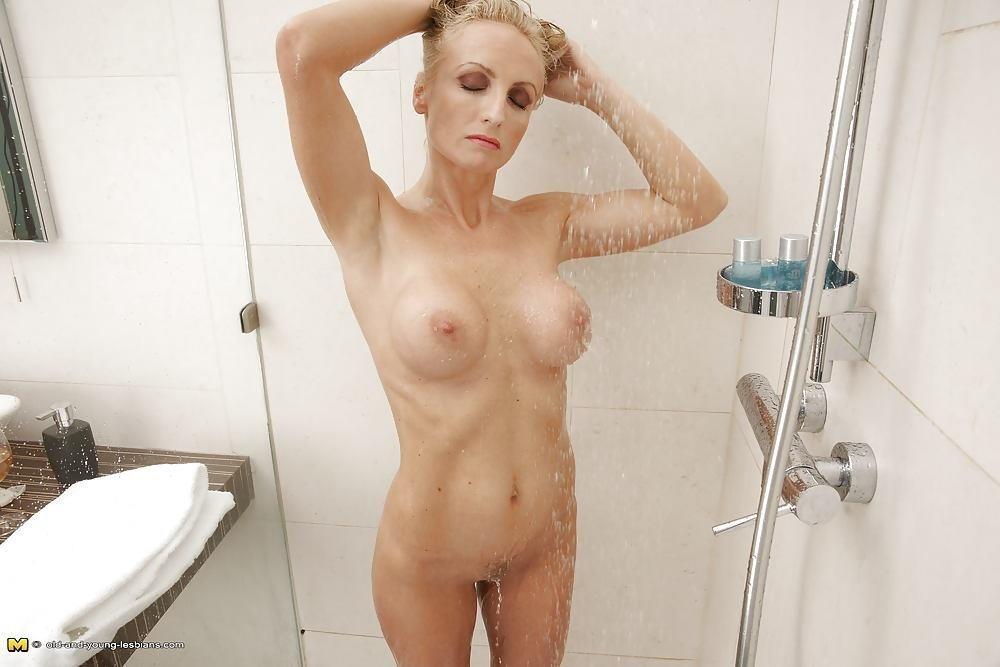 Mother daughter lesbian sex pics-7020