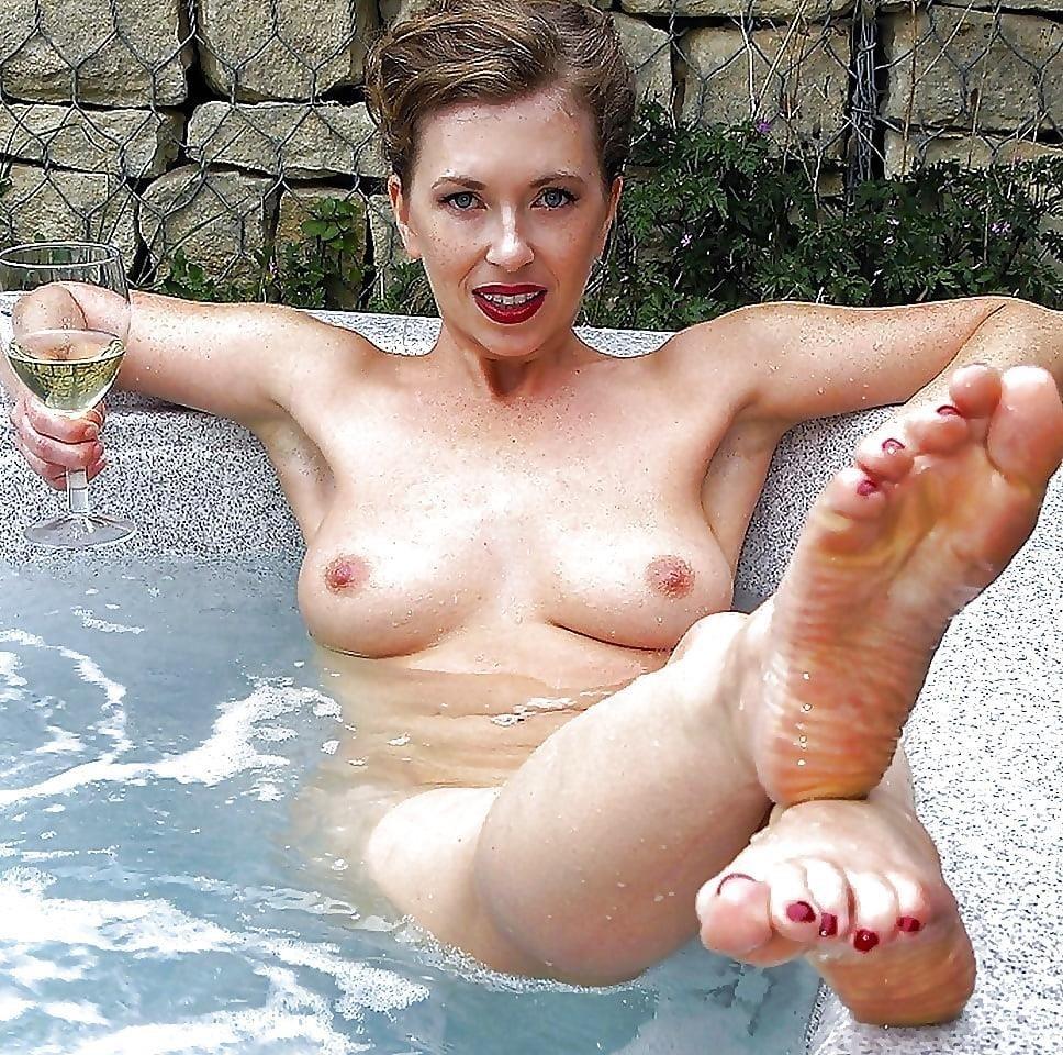 Beautiful naked mature women pics-4561