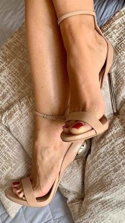 Brianna foot fetish-1650
