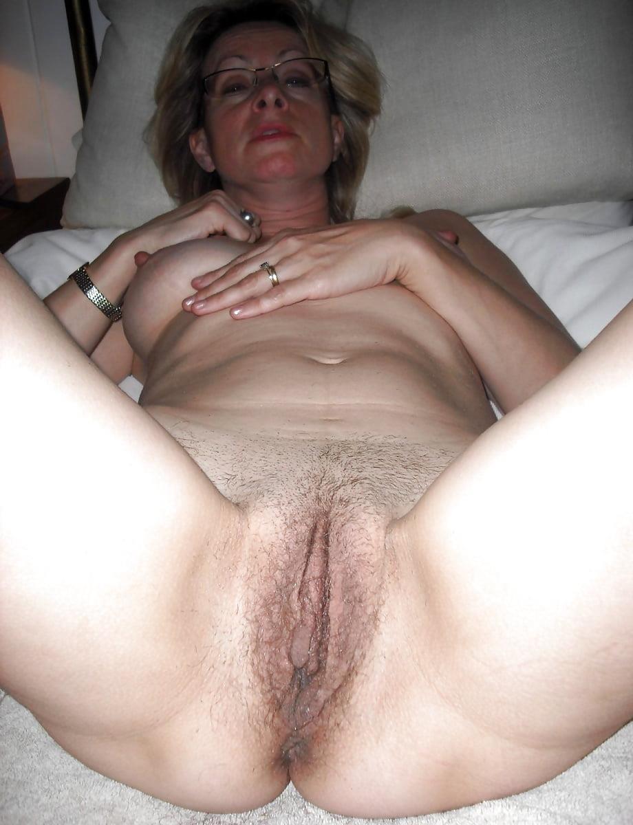 Free mature stocking porn-4129