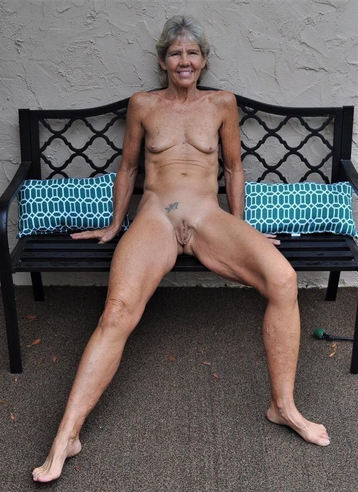 Older women cunnilingus-7896
