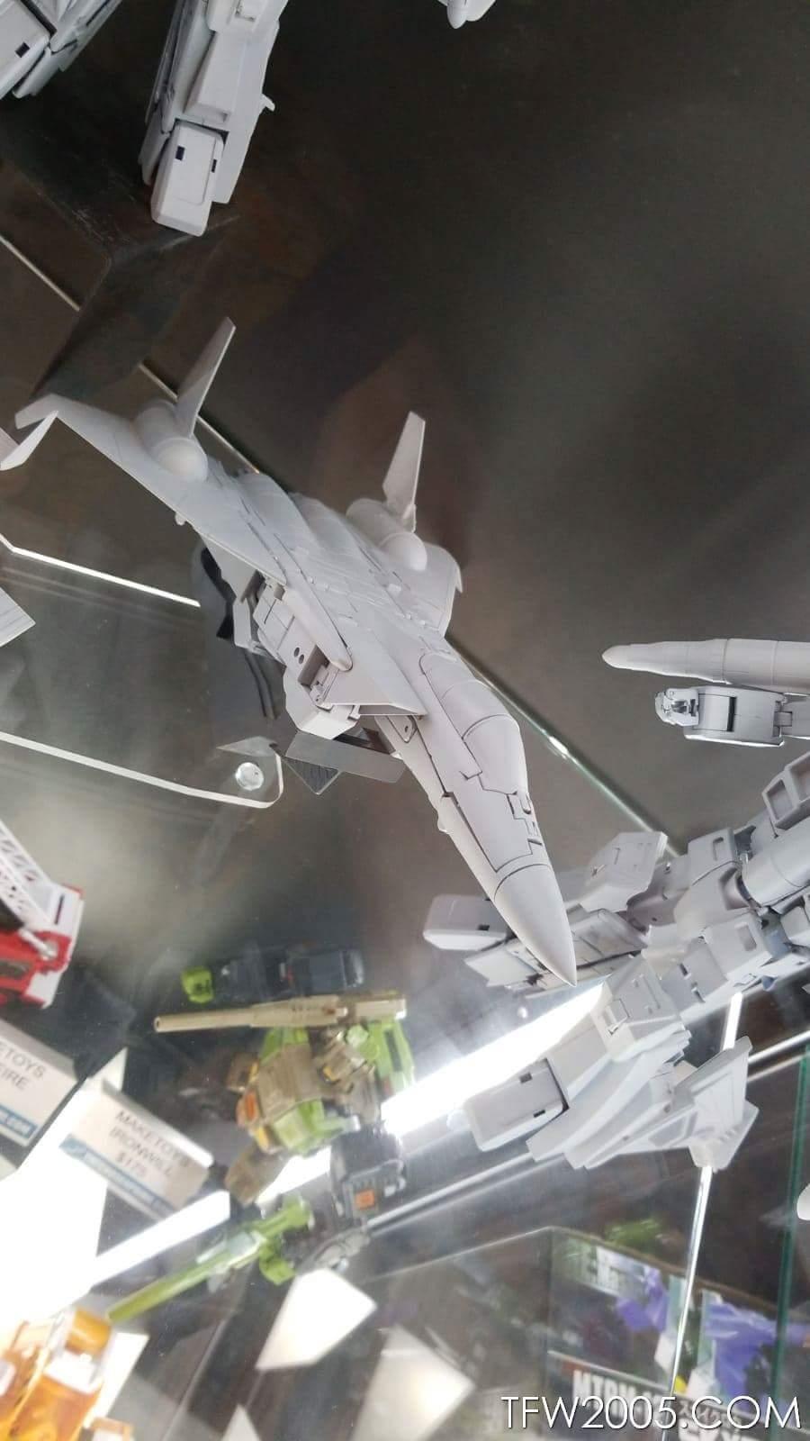 [Maketoys] Produit Tiers - Jouets MTRM-15 Endgame (aka Dirge/Funébro), MTRM-16 Jetstream (aka Thrust/Fatalo) & MTRM-17 Booster (aka Ramjet/Statoréacto) IsaY0Q9W_o
