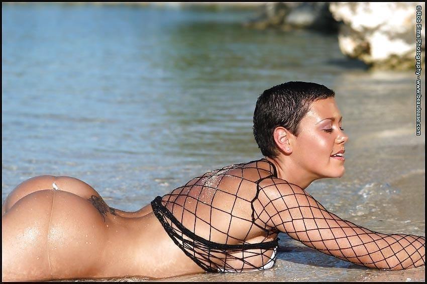 Beautiful fit naked women-9479