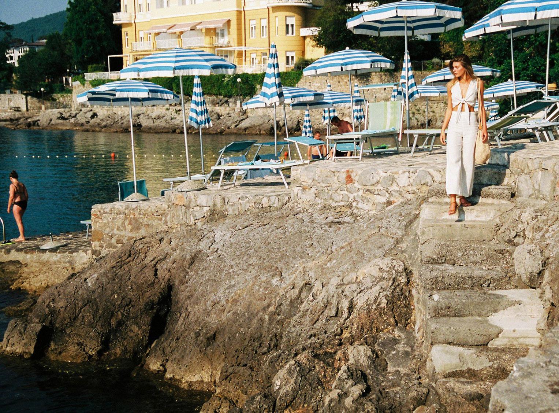Отдыхаем на пляжах Хорватии с фотомоделью Мэдисон Хедрик / фото 18