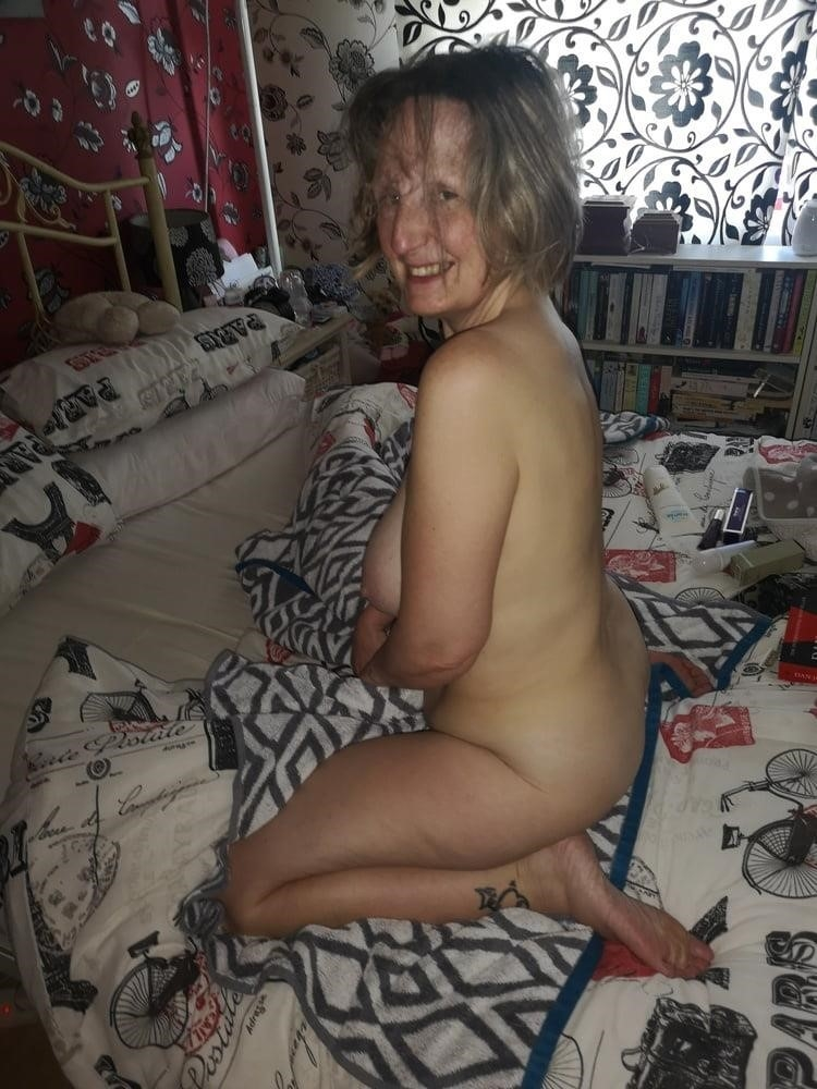 Cunnilingus with wife-9495