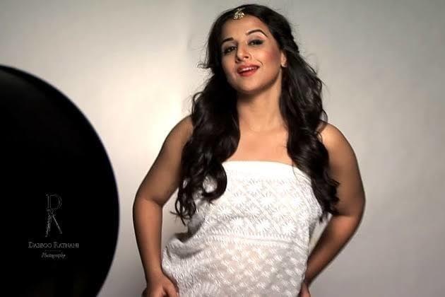 Vidya balan big boobs images-4971