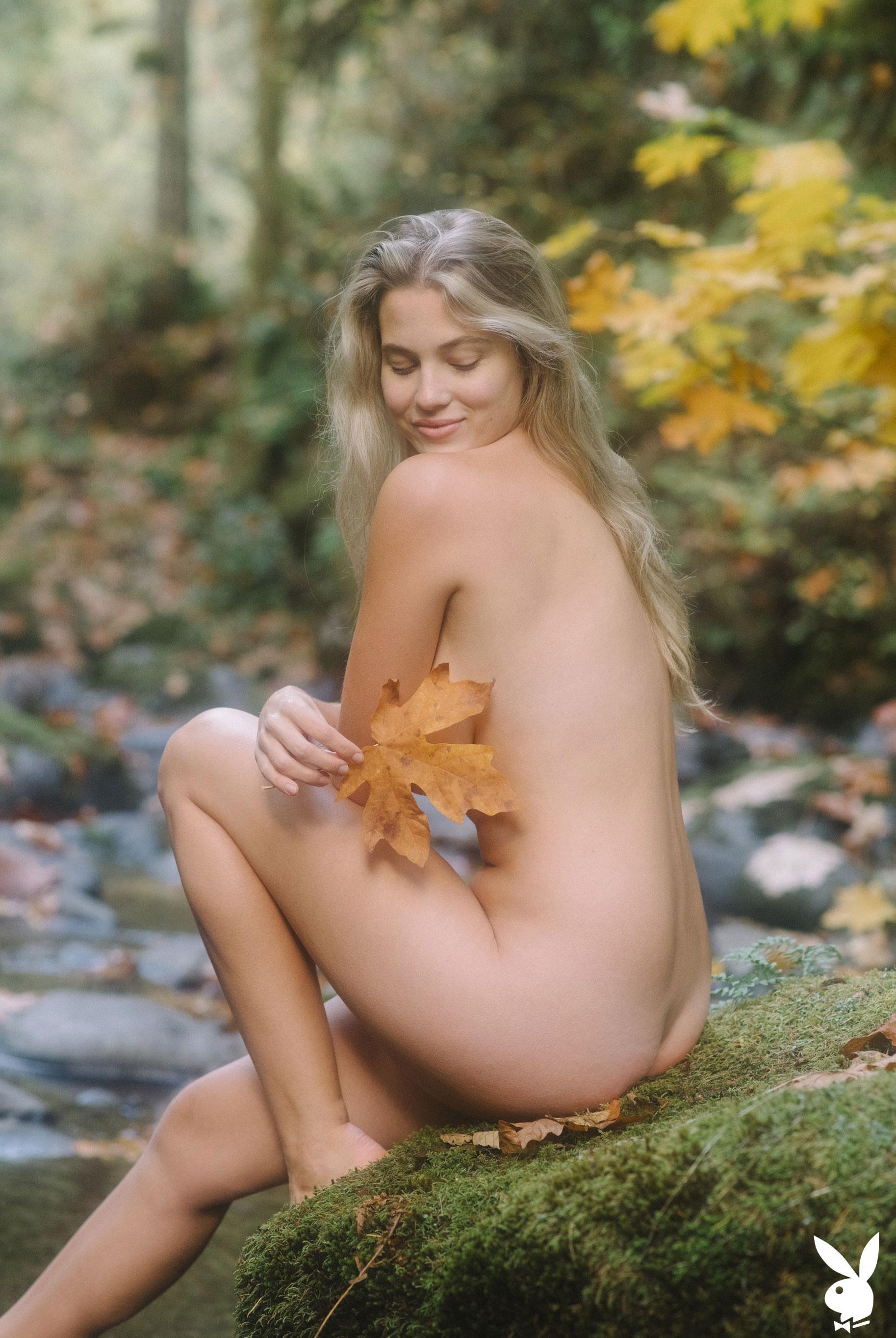 Меган Мур - Девушка месяца февраль 2019 Playboy США / фото 03