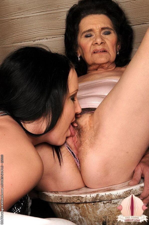 Granny lesbian sex pics-7517