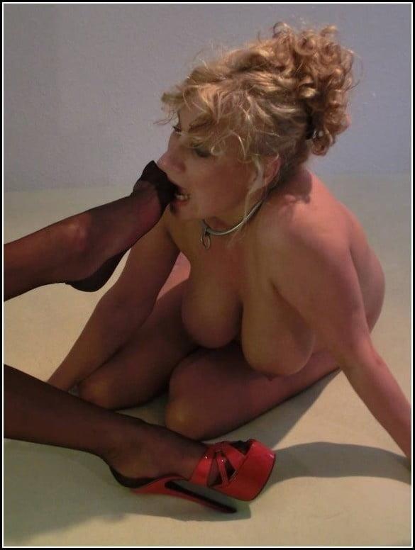 Bound foot slave-5969