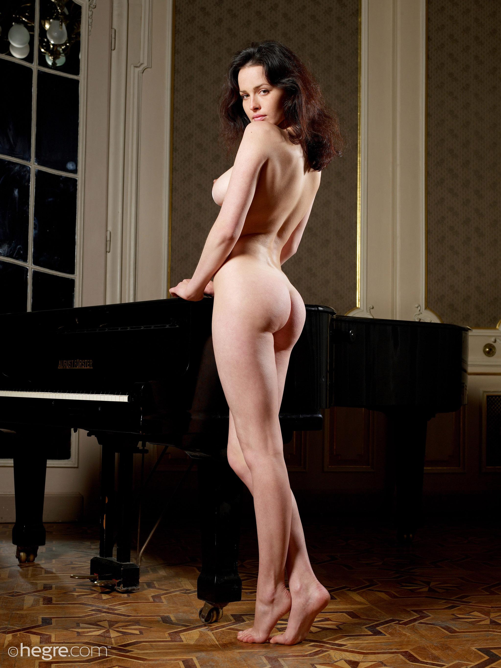 dasha-astafieva-nude-pictures