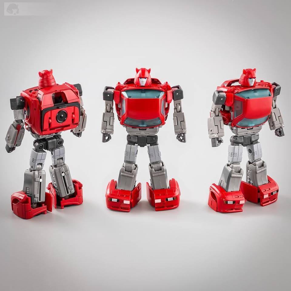 [Ocular Max] Produit Tiers - Minibots MP - PS-09 Hellion (aka Cliffjumper/Matamore), PS-11 Omne - (aka Cosmos) YU1Poqrh_o
