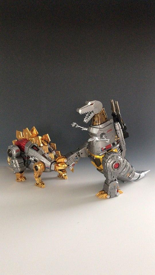 [GigaPower] Produit Tiers - Jouets HQ-01 Superator + HQ-02 Grassor + HQ-03 Guttur + HQ-04 Graviter + HQ-05 Gaudenter - aka Dinobots - Page 7 NAptiNIv_o