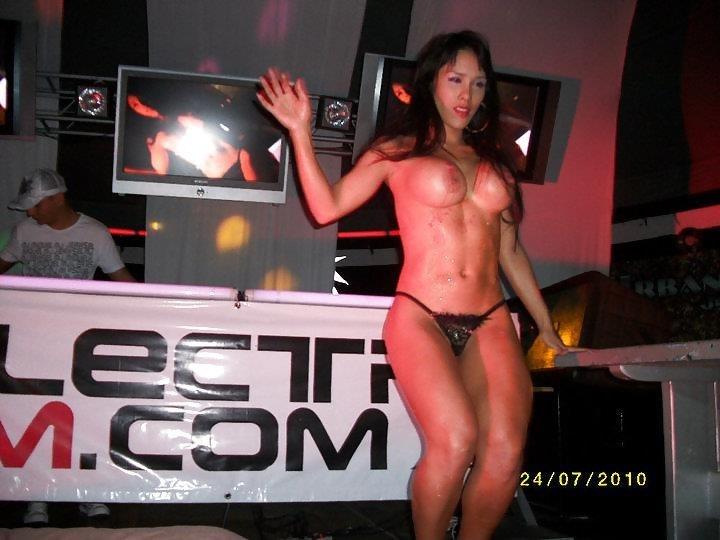 Young sexy girls dancing-5100