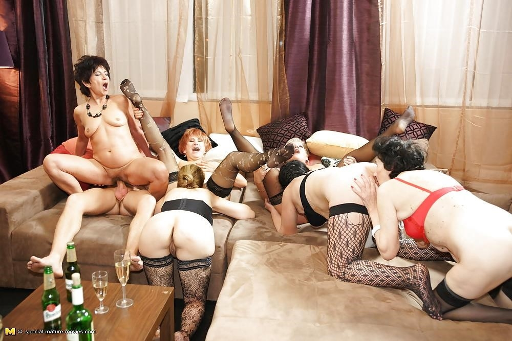 Group sex with mom-1181