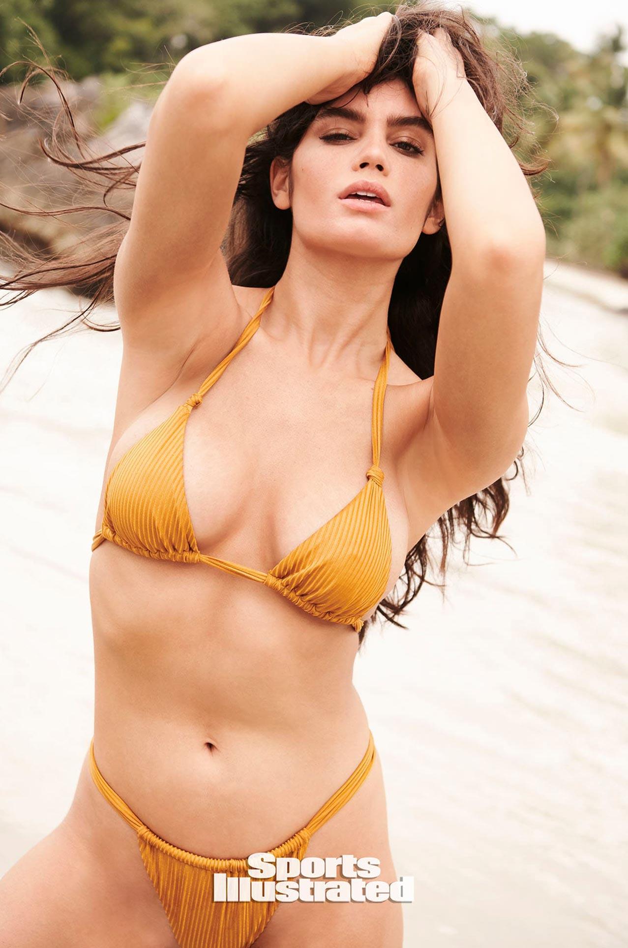 Энн де Паула в каталоге купальников Sports Illustrated Swimsuit 2020 / фото 12