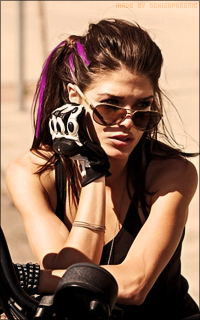 Marie Avgeropoulos 0RqNYmat_o