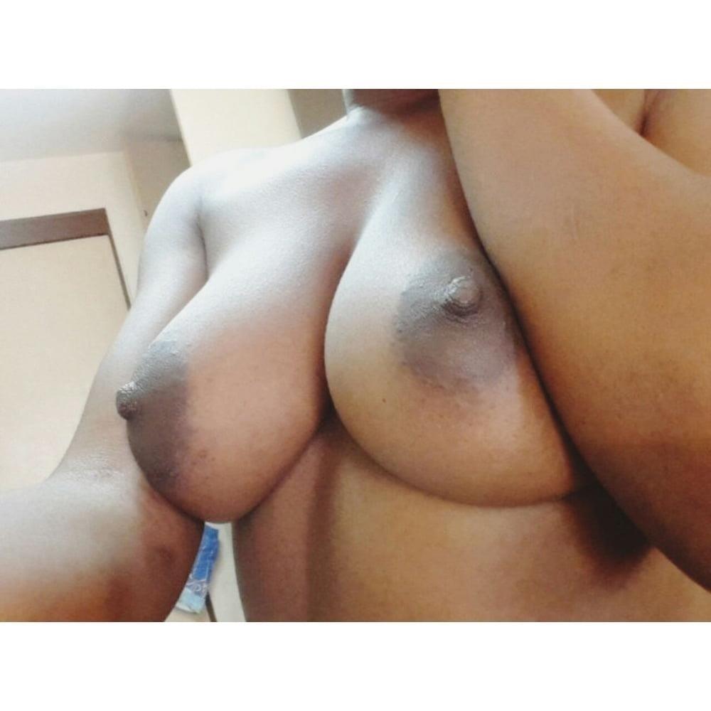 Plug anal girl-8413