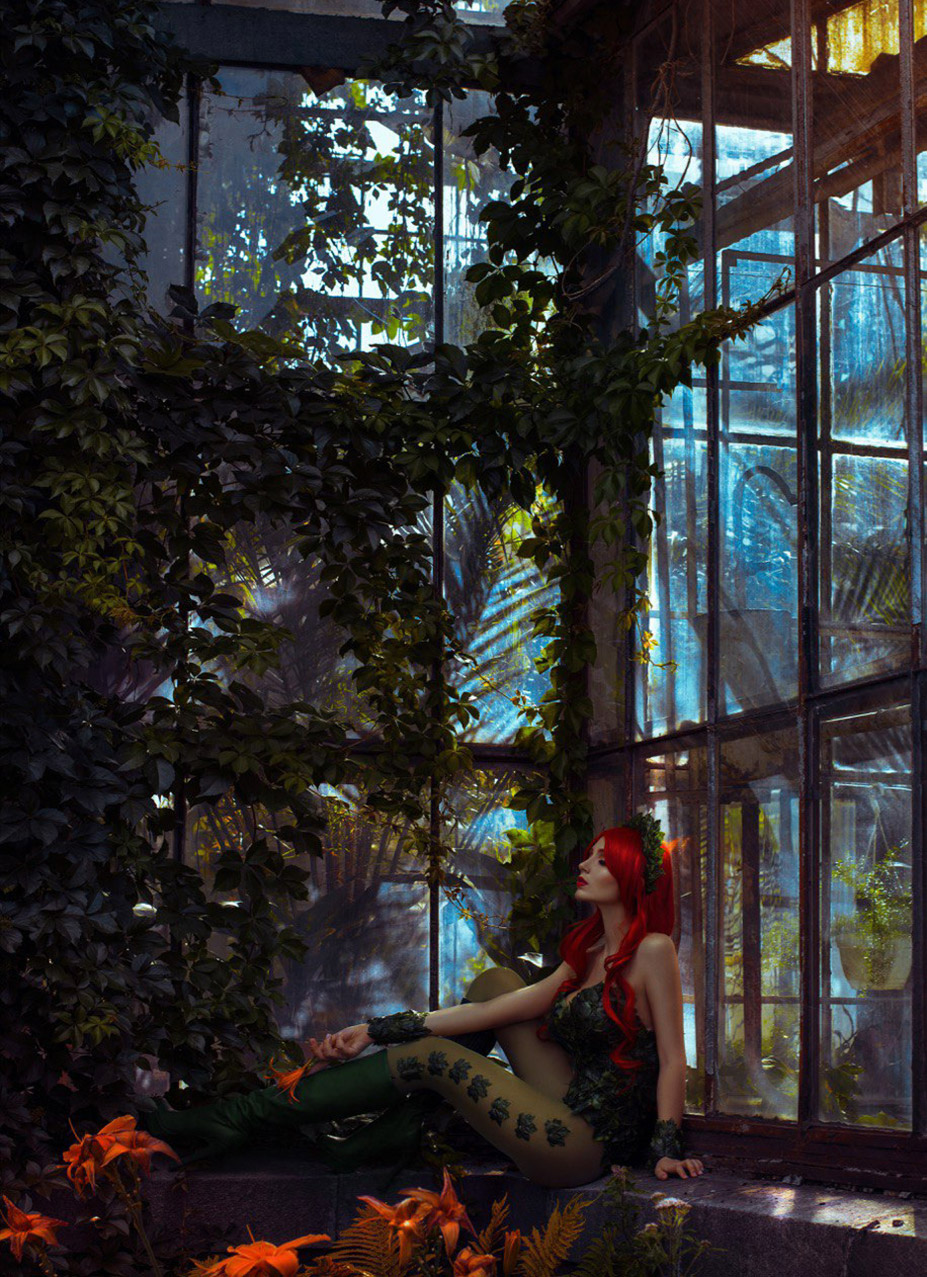 Cosplay / Bellatrix Aiden в роли Poison Ivy из вселенной DC comics / фотограф Tim Rise