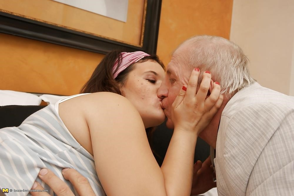 Porn girl and old man-1402