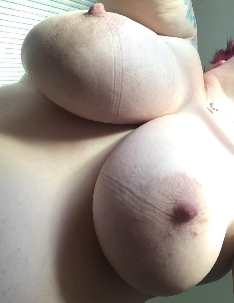 Lesbian big tit pic-4561