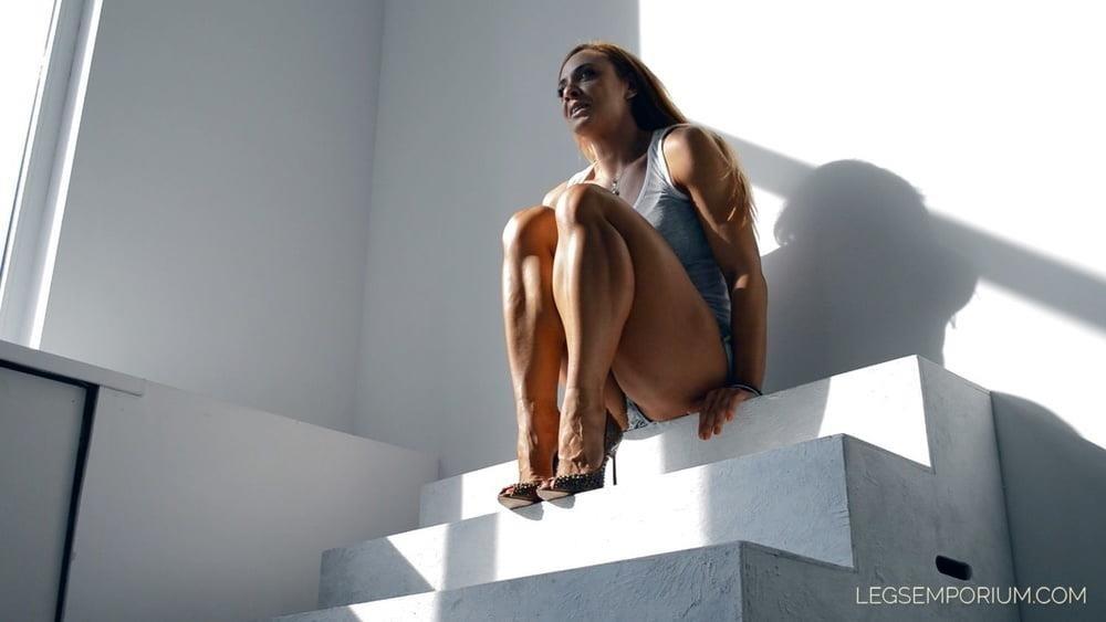 Bodybuilder female clit-5425