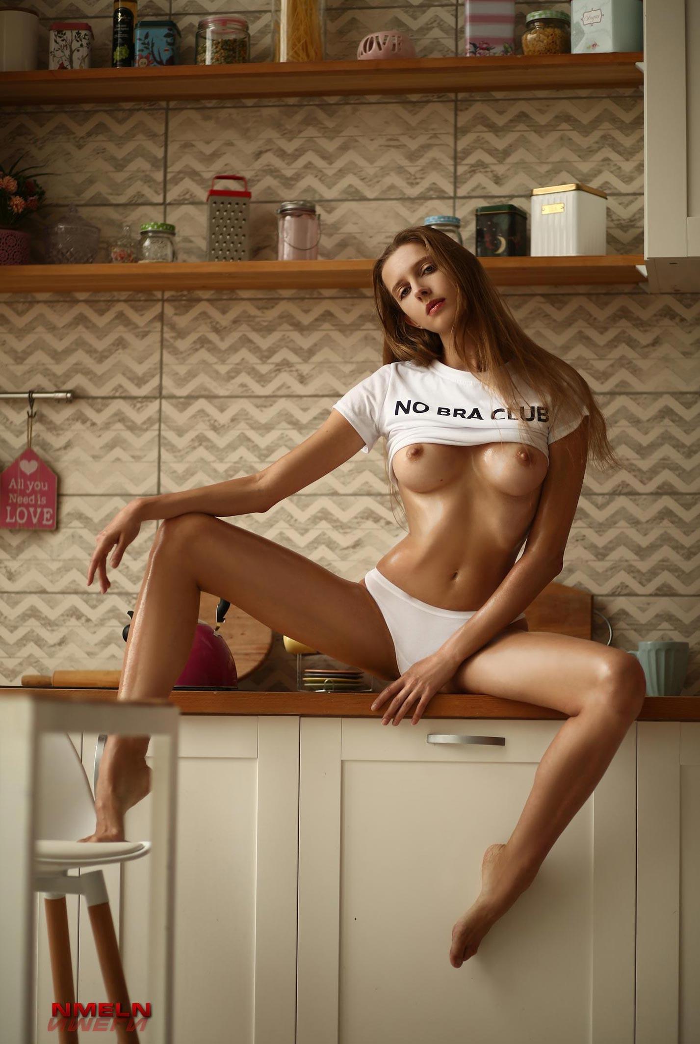Завтракаем с сексуальной Катериной Райх / фото 02