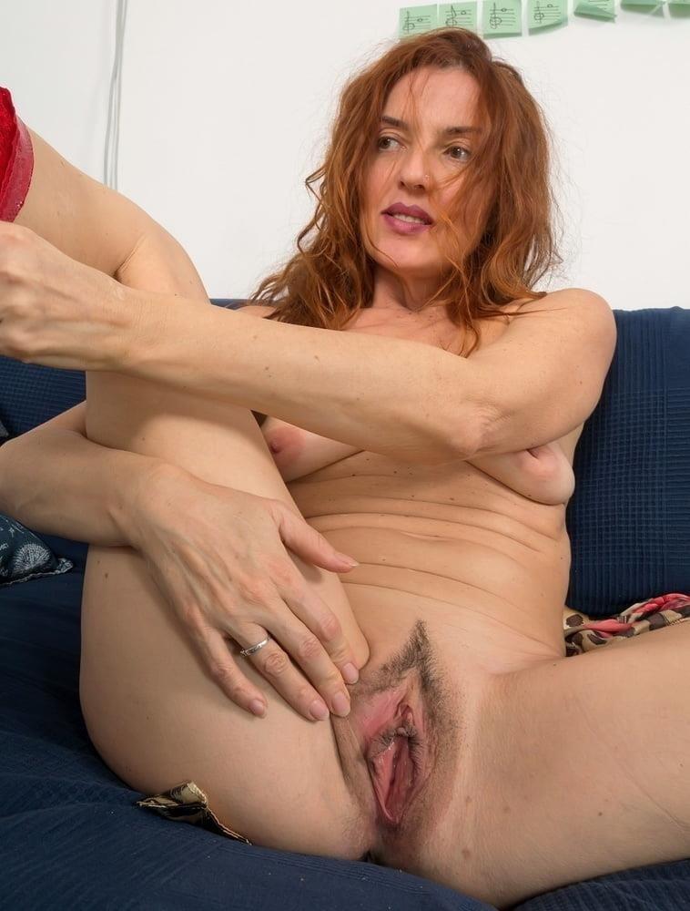Free busty milf porn pics-6520