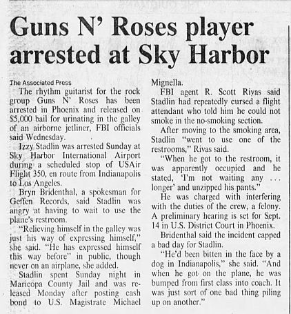 1989.08.31 - Arizona Daily Star - Rock guitar player freed on bail (Izzy) NC2lxHo0_o