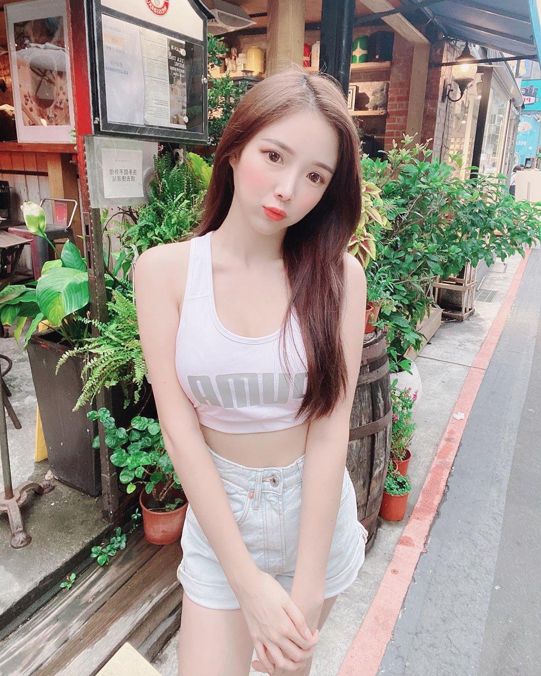 wpkPvHox o - IG正妹—Amber Na藍星蕾