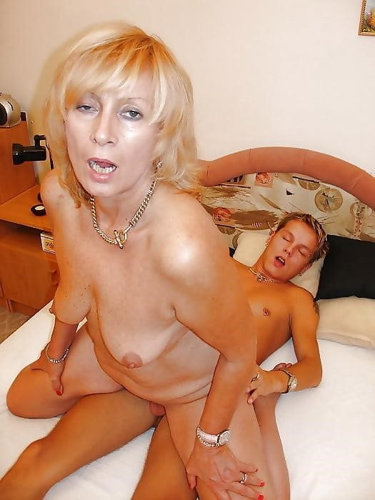 Milf with young men porn-8636