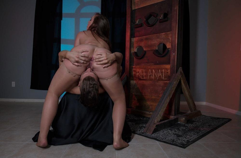 Free hot mom anal-3884