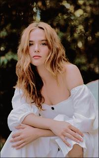 Elena James