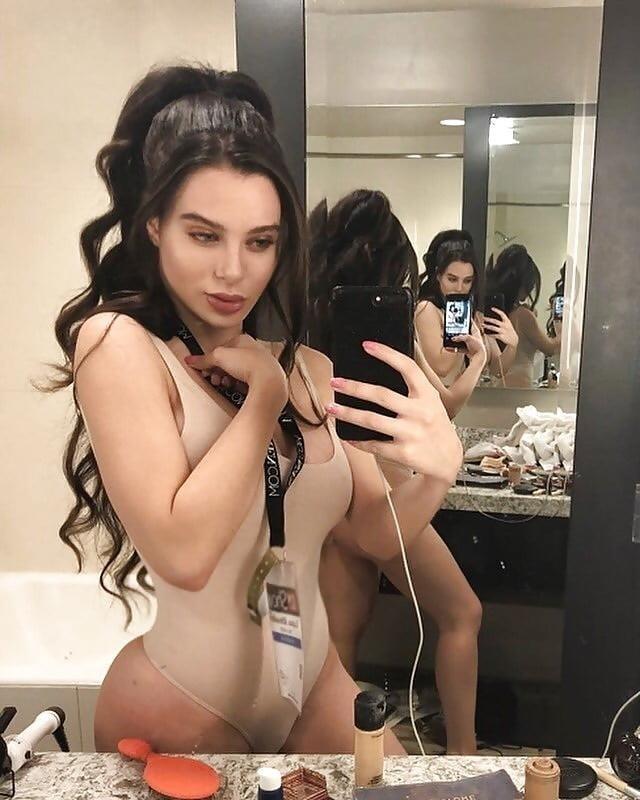 Lana rhoades naked selfie-3323