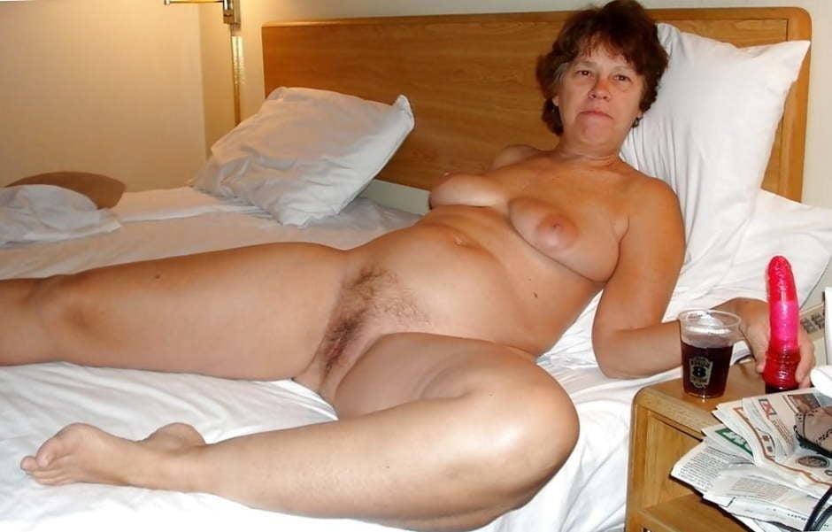 Lovely naked milfs-9461