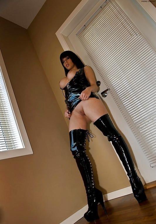Hot naked black haired girls-7095