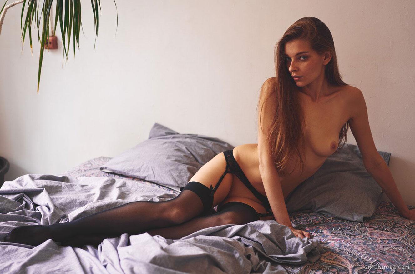 Однажды в Риге - обнаженная Анна Райс, фотограф Симон Болц / фото 01