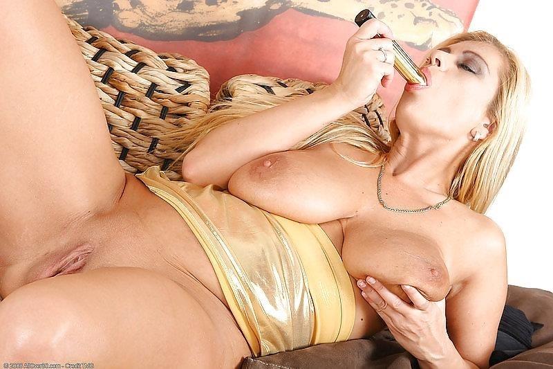 Beauty mature sex pics-8540