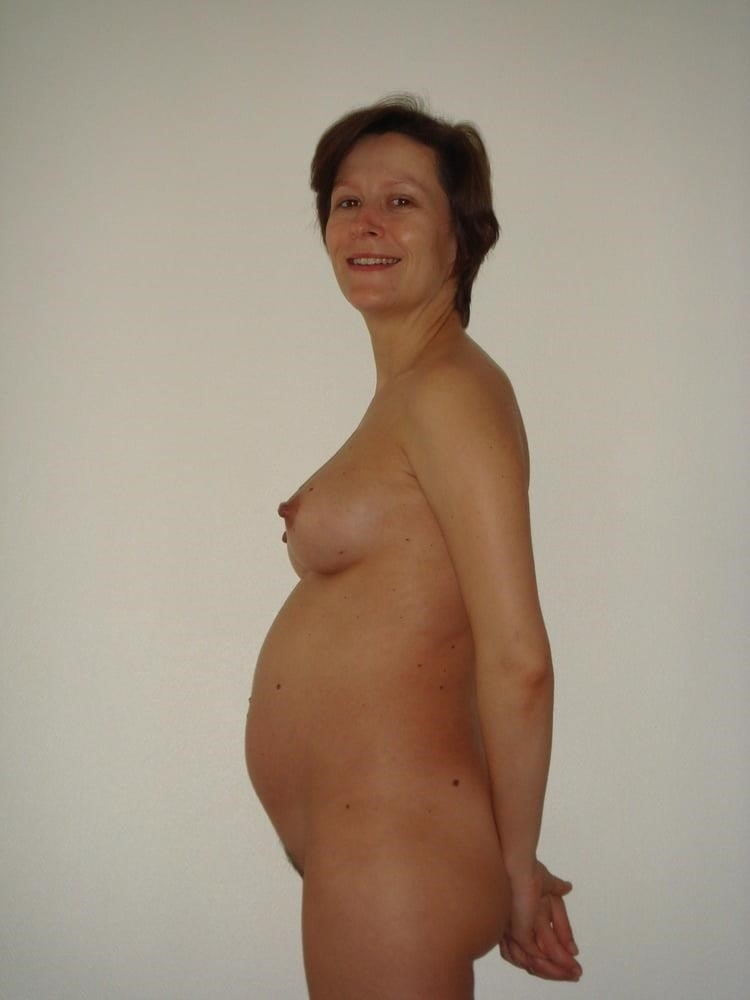 Sharp pain in left breast during pregnancy-4289