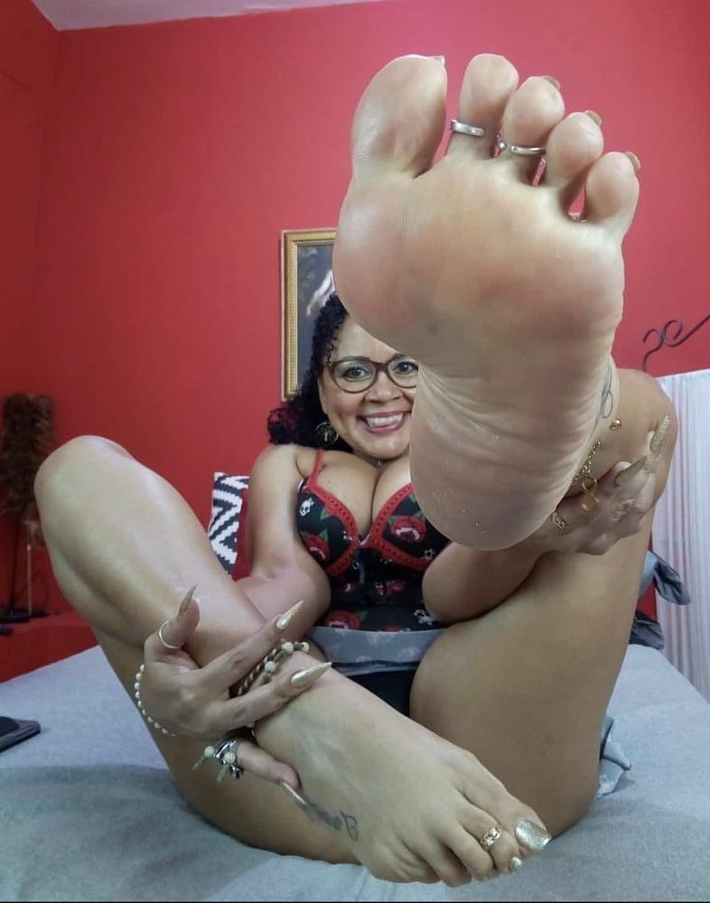 Milf toes porn-2463