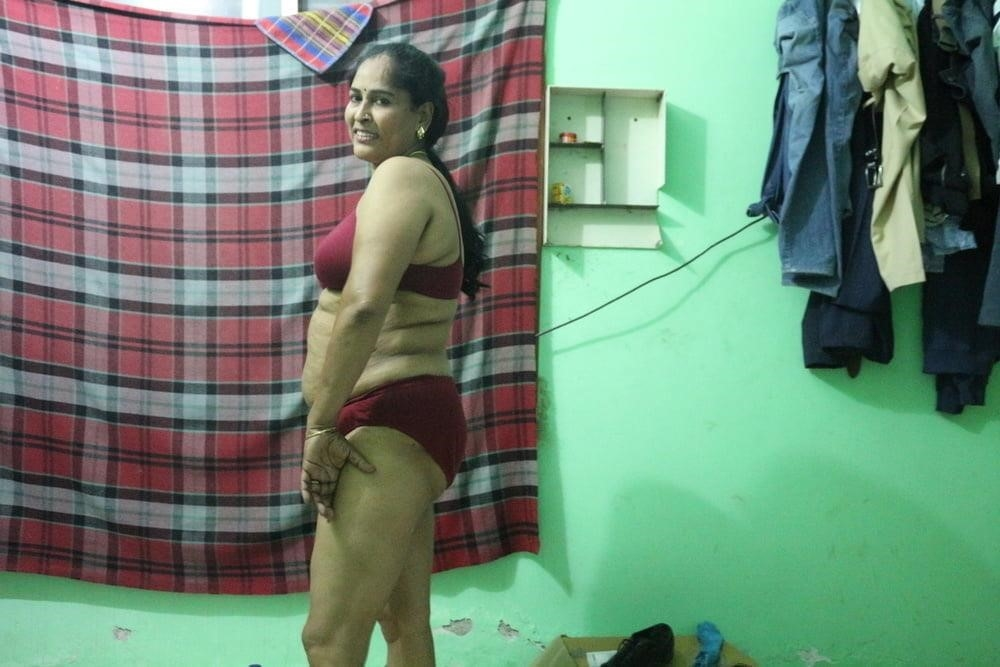 Reshma aunty nude-5139