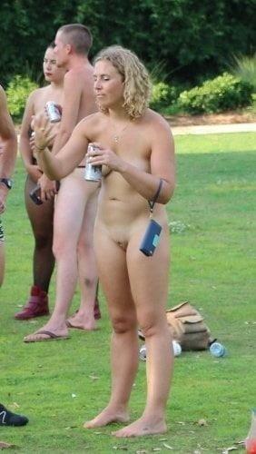 Latina public nude-8062