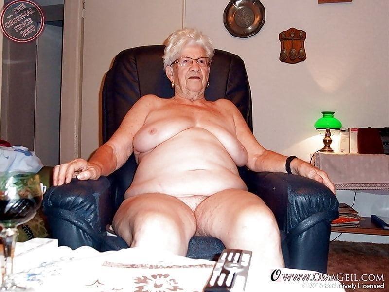 Pics naked grannies-2975