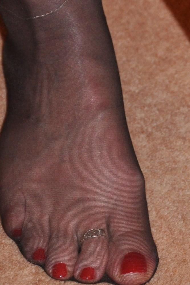Nylon feet porn hd-9118