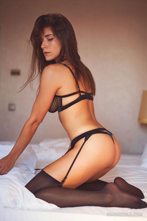 Сильвия Лорем в сексуальном черном нижнем белье / фото 08
