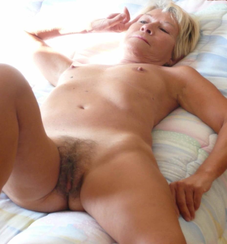 Naked granny porn-7347