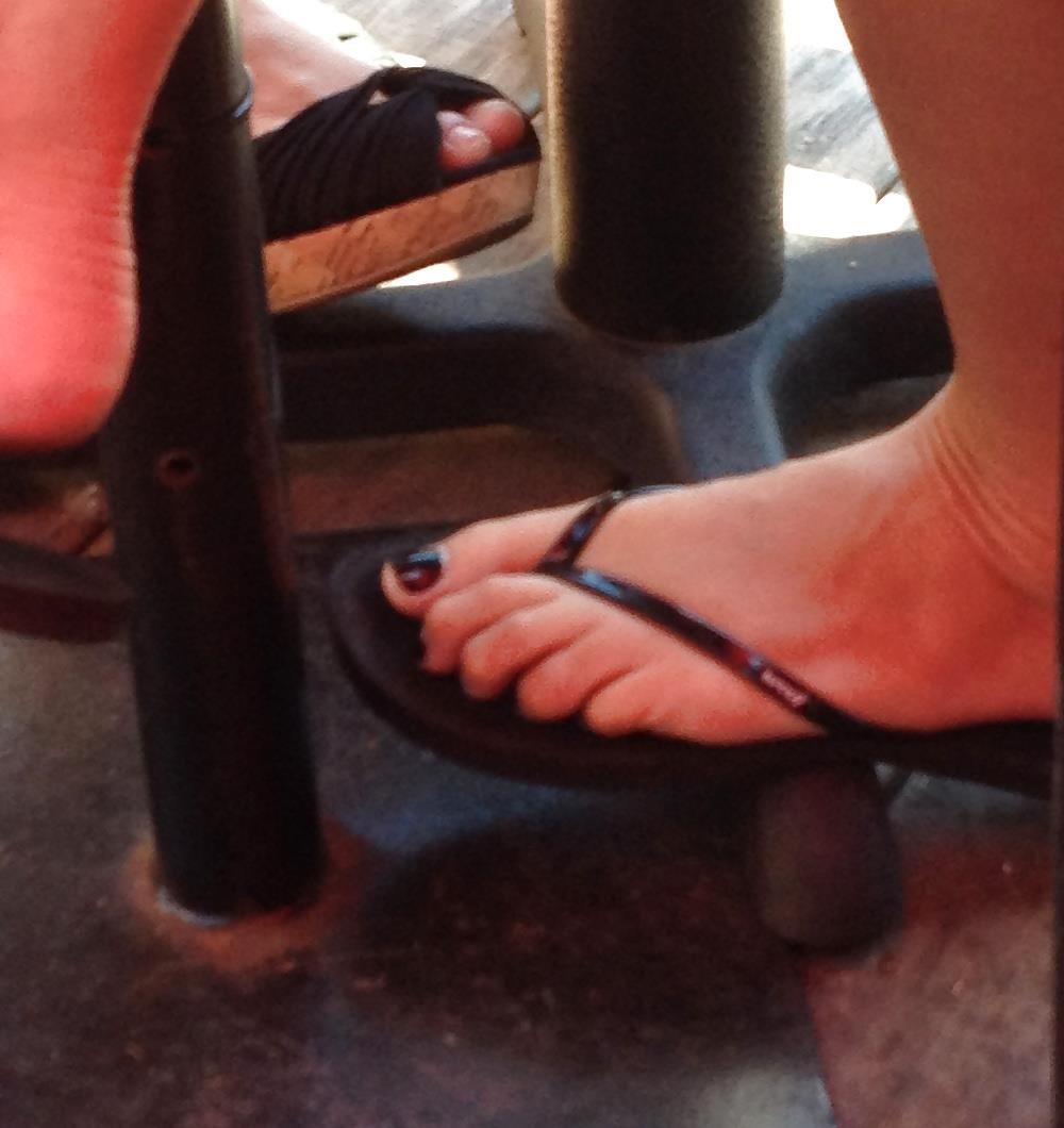 Long toes foot fetish-6430