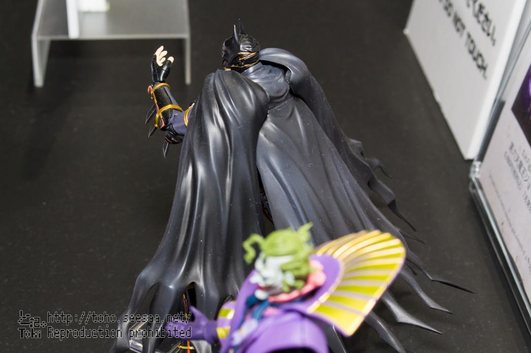 Batman - Page 15 GFLOZeMG_o