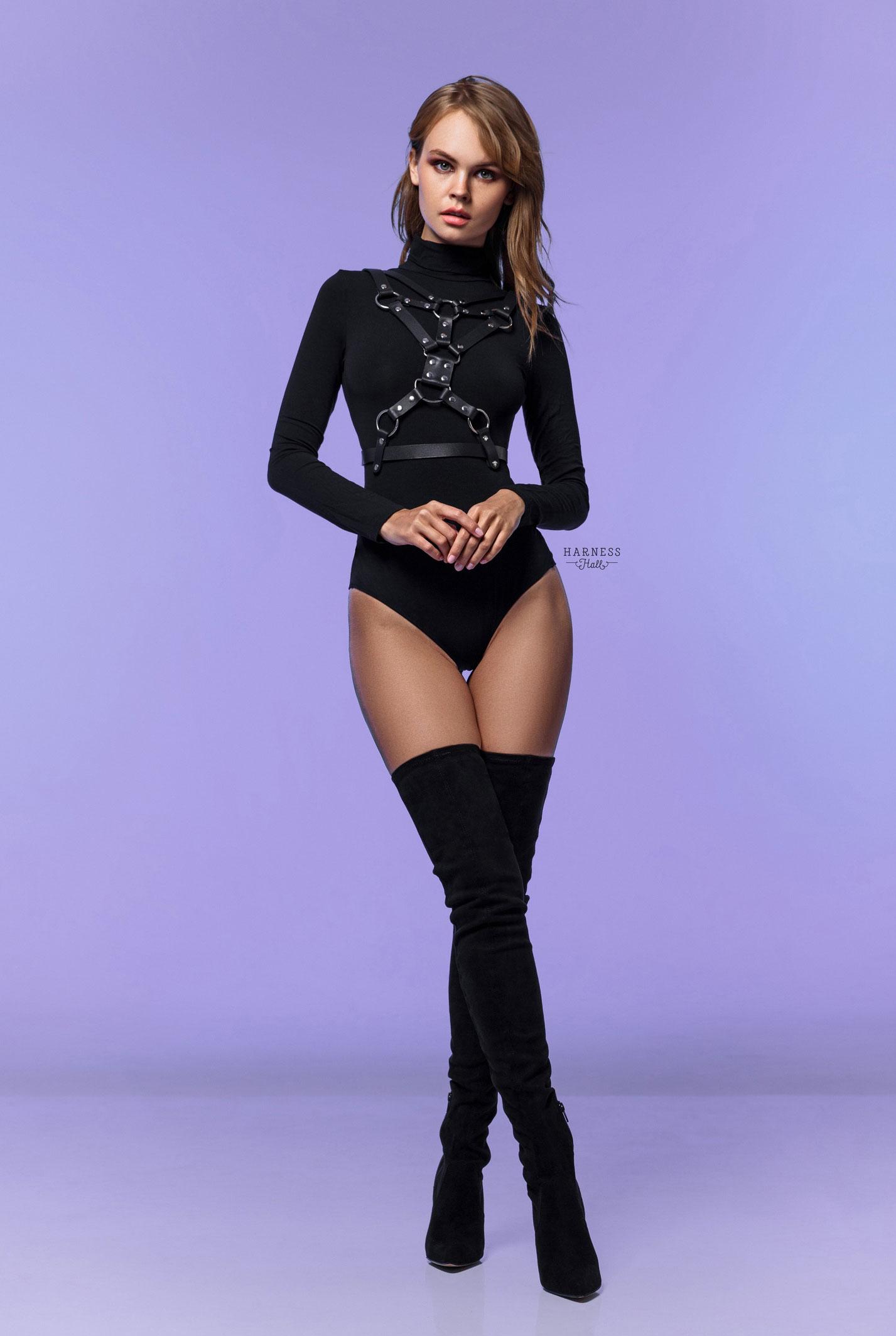 Анастасия Щеглова в нижнем белье Harness Hall, 2018 год / фото 13