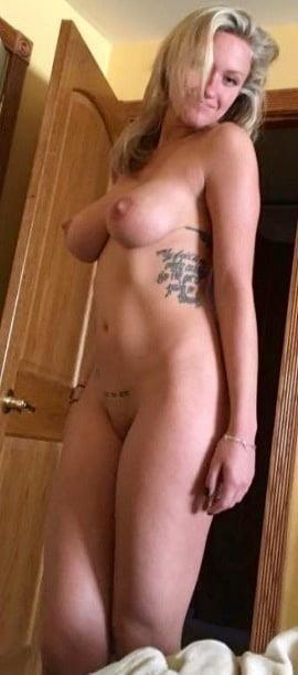Nude booty selfies-1950