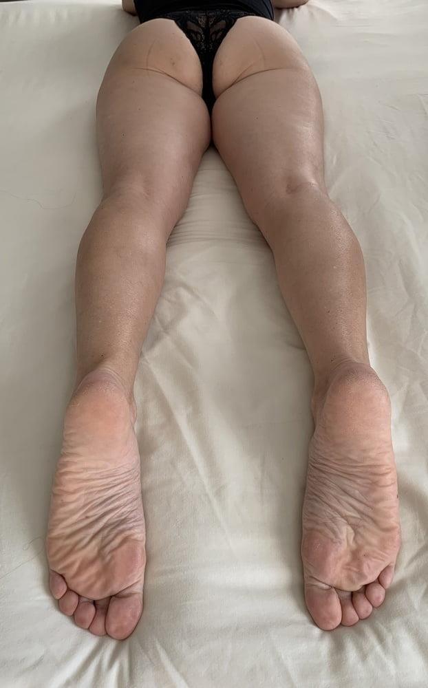 Lesbian feet bondage-4607